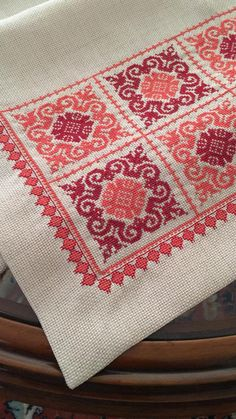 Hand Embroidery Design Patterns, Cross Stitch Sampler Patterns, Biscornu Cross Stitch, Hand Embroidery Art, Modern Cross Stitch Patterns, Cross Stitch Designs, Cross Stitch Embroidery, Cross Stitch Cushion, Palestinian Embroidery