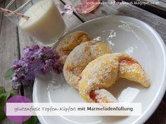 glutenfreie Topfen-Kipferl mit Marmeladenfüllung (Quark-Hörnchen)  Durch das Weglassen von Zucker und mit selbstgemachten Apfelmus als Füllung auch für Kleinkinder geeignet  http://zauberhaftekruemel.blogspot.co.at/2016/05/rezepte-glutenfreie-topfen-kipferl.html
