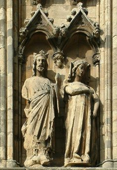 Edward I of England and Eleanor of Castile, Lincoln Cathedral.The Cathedral Church of the Blessed Virgin Mary,Lincoln Statuary of King Edward I and Queen Eleanor,on the south east corner. City Of London, Hereford, Trafalgar Square, Rey Enrique, Statues, The Shadow Queen, Queen Eleanor, Lincoln Cathedral, Cathedral Church