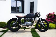OTOMOTIF USA - Custom Motorcycles & Cafe Racers