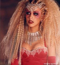 "Christina Aguilera ""Lady Marmelade"" showgirl hair"