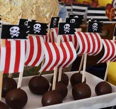 etiquetas de jake y los piratas - Google Search Pirate Birthday, Pirate Theme, Boy Birthday, Backyard Birthday, 3rd Birthday Parties, Pirate Kids, Party Fiesta, Nautical Party, Baby Party