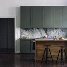 Kitchen interior design modern - Best Shades of Green Wall Paint Interior Trend – Kitchen interior design modern Interior Desing, Interior Modern, Interior Design Kitchen, Marble Interior, Diy Interior, Modern Luxury, Interior Inspiration, Interior Architecture, Modern Kitchen Interiors