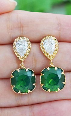 Emerald and gold earrings. These would make great bridesmaid gifts for a Baylor wedding!