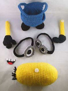 Free Minions pattern from Ravelry: I am almost done with my first minion now :) ༺✿ƬⱤღ https://www.pinterest.com/teretegui/✿༻