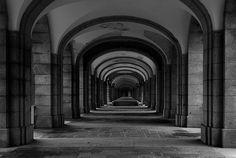 Columnas - Columns - El Valle de los caídos My Photos, Black And White, Columns, Falling Down, Blanco Y Negro, Black White, Black N White