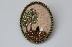 Two Little Cats Brooch and Necklace. Lovely Vintage Hand Painted  Cameo…