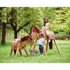 Holzpferd JAKO-O, klein - Wetterfest und 'sparsam im Futter'! ♥ sorgfältig ausgewählt ♥ Jetzt online bestellen!