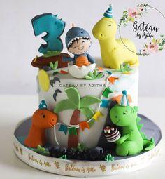 "Dino party in full swing !! #gateaubyajitha #customcake #themedcakeshyderabad #fancycakeshyderabad #designercakeshyderabad #hyderabadchef…"" • Jun 30, 2020 at 5:31am UT Monster 1st Birthdays, First Birthdays, Dinosaur Party, Dinosaur Birthday, Boy Birthday Parties, 2nd Birthday, Cars Theme Cake, Dino Cake, Fancy Cakes"