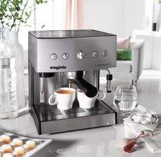 Espresso Machine, Coffee Maker, Kitchen Appliances, Design, Chefs, Bread, World, Coffee Making Machine, Espresso Coffee Machine