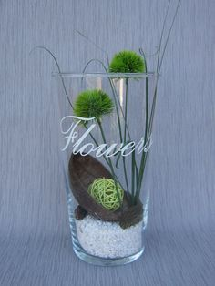 """Eine Glasvase mit Deko """"Flowers"""". von Floristik4U auf DaWanda.com"""