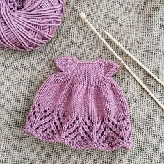 Best 12 Dresss for her … - Knitting patterns, knitting designs, knitting for beginners.Photos and Videos - AmigurumiHouse Knitted Bunnies, Knitted Animals, Knitted Dolls, Knitted Hats, Crochet Blanket Patterns, Knitting Patterns, Teddy Bear Clothes, Little Cotton Rabbits, Doll Dress Patterns