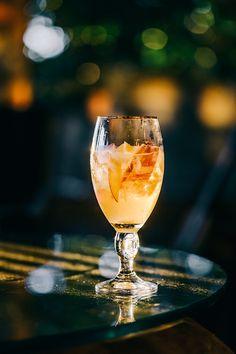 WHISKEY with SPICED APPLE SYRUP*  ~1 shot Whiskey ~2  Tbsp Spiced Apple Syrup* ~2 Tbsp Lemon juice ~1 Tbsp Honey ~Splash of Club Soda >Garnish: sliced Apples