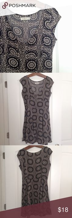 Abercrombie & Fitch Floral Print Dress Pattern print skater dress from abercrombie & fitch. Size: L. Color: black and white. Light flows dress, great for layering with a jacket! Side underarm zip. Abercrombie & Fitch Dresses