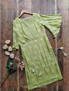 Sage Green Bandhej Kurta and Palazo Set Simple Kurta Designs, Kurta Designs Women, Salwar Designs, Kurti Designs Party Wear, Blouse Designs, Stylish Dresses For Girls, Stylish Dress Designs, Simple Dresses, Pakistani Fashion Casual