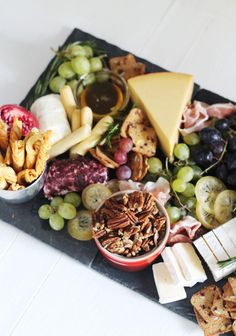 How to Build The Ultimate (Trader Joe's) Cheese BoardYou can find Chartucerie board and more on our website.How to Build The Ultimate (Trader Joe's) Cheese Board Appetizers For Party, Appetizer Recipes, Thanksgiving Appetizers, Thanksgiving 2020, Brownies Recipe No Butter, Trader Joe's Cheese, Charcuterie And Cheese Board, Cheese Boards, Candied Lemons