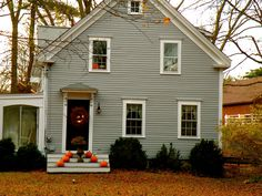 Historic New England Towns Fall | ... historic John Alden House and I love the wreath, urn and pumpkin