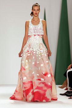 2015 - Spring Collection - Carolina Herrera - From Best Looks - New York Fashion Week Spring 2015 Fashion, Ny Fashion Week, New York Fashion, Runway Fashion, Fashion Show, Fashion Design, Fashion Weeks, Fashion Fall, London Fashion