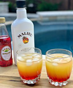 Malibu Sunset Cocktails is part of food-recipes - These Malibu Sunset Cocktails are incredibly simple to prepare and refreshing in taste! Using pineapple juice, Malibu Rum, and grenadine this sweet tropical drink is the perfect summer cocktail! Malibu Rum Drinks, Coconut Rum Drinks, Malibu Coconut, Liquor Drinks, Fruity Drinks, Summer Drinks, Fun Drinks, Bourbon Drinks, Orange Juice Alcoholic Drinks