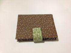 Carteira porta caderneta em cartonagem