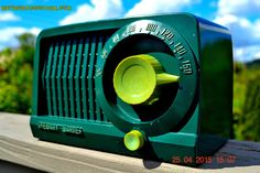 SOLD! - July 28, 2015 - BEAUTIFUL Art Deco Rare Retro Green 1952 Stewart Warner 9160H Tube AM Radio Totally Restored!