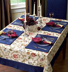 31 Trendy Ideas Kitchen Table Centerpiece With Placemats Table Runner And Placemats, Table Runners, Decoration Table, Table Centerpieces, Shabby, Mantel Redondo, Sewing Table, Mug Rugs, Table Toppers