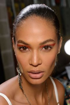 colourful graphic eyes, whilst skin was kept fresh and natural-looking.  Joan Smalls at Prabal Gurung aw 17