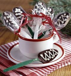 DIY Homemade Gifts for Christmas - Chocolate Spoons - Click pic for 25 DIY Christmas Gifts