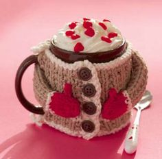 Dress up your favorite coffee mug with this adorable free knitting pattern.