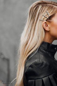 25 Hair Pins For Boho Hairstyles – BelleTag Boho Hairstyles, Straight Hairstyles, Simple Hairstyles, Wedding Hairstyles, Baddie Hairstyles, Formal Hairstyles, Ponytail Hairstyles, Natural Hairstyles, Old Hollywood Hair