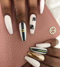 Cute nails, Nail art designs and Pretty nails. Bling Nails, Bee Nails, Glam Nails, Beauty Nails, Chanel Nails, Nail Swag, Colorful Nail Designs, Nail Art Designs, Colorful Nails