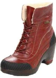 Simply riveting, the Rimini bootie exudes an old world aura with its delicate details and seamed leather, while offering all the modern comforts: Inlays of elastic let you slip on easily, with memory foam footbeds inside and All Terra grip on the ground. Heeled Boots, Ankle Boots, Hot Shoes, Military Fashion, Snow Boots, Black Boots, Me Too Shoes, Hiking Boots, Combat Boots