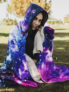 Galaxy 2.0 Premium Sherpa Hooded Blanket