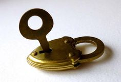 Teeny tiny vintage lock and key. The lock for the bride's bouquet and the key for the groom's button hole. Button Hole, Key To My Heart, Bride Bouquets, Mac, Blog, Wedding, Vintage, Bridal Bouquets, Valentines Day Weddings