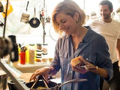 Sienna Miller in Burnt learning to cook like a chef