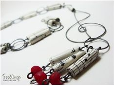 [music+inspired+paper+beads+lariat+necklace.JPG]