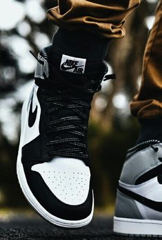 Nike Air Jordan 1 Retro. Get a 19 point step-by-step guide on spotting fakes on goVerify.it