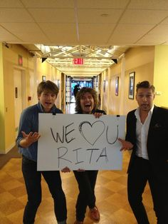 They love Rita Wilson....Even enough to intrude on her interview this morning. Zac's face <3