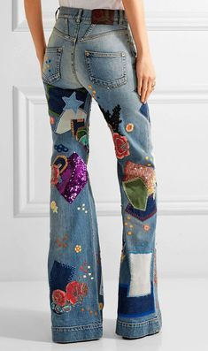 How to Customize Jeans - 5 Stylish Ways - Artesanatos em Geral - Denim Fashion Denim Fashion, New Fashion, Trendy Fashion, Trendy Outfits, Runway Fashion, Fashion Art, Boho Fashion, Womens Fashion, Fashion Design