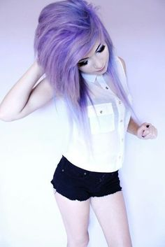 nice Love her hair and the outfit❤ scene hair emo hairstyle. Lavender Hair, Lilac Hair, Violet Hair, Gray Hair, Scene Girls, Pretty Hairstyles, Girl Hairstyles, Scene Hairstyles, Updo Hairstyle