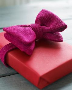 Use a real bowtie as decoration on your Valentine's gift for HIM!