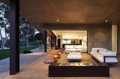 Naturstein Fliesen Bodenbelag Sieht Glatt Gegen Die Klaren Linien In Diesem  Wohnzimmer Zeitgenössischen Offenes Konzept Vorgestellt