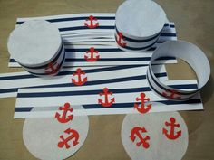 DIY sailor party hats. Inspiration found on thedailyjackjack.blogspot.com Sailor Costume Diy, Sailor Costumes, Sailor Party, Sailor Theme, Nautical Mickey, Nautical Party, 1st Boy Birthday, First Birthday Parties, Party Hats