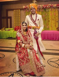 Rajasthani Bride, Rajasthani Dress, Bridal Hairstyle Indian Wedding, Indian Bridal Fashion, Indian Groom Wear, Wedding Couple Poses Photography, Rajputi Dress, Bridal Bangles, Indian Gowns