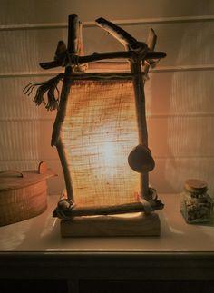Wooden Desk Lamp, Table Lamp Wood, Burlap Lampshade, Deco Marine, Driftwood Lamp, Table Lamps For Bedroom, Glass Design, Lamp Light, Lighting Design
