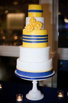 Fondant Cakes « Sweet & Saucy Shop Fondant Cakes, Cupcake Cakes, Cake Decorating, Decorating Ideas, Designer Cakes, Pastry Art, Cake Stuff, Awesome Cakes, School Colors