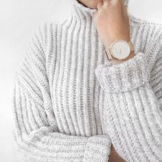 Feeling so guilty from shopping non stop 😝 // Get off watches by using 'mb-mollyx___' from (valid until end of dec) Autumn Look, Autumn Winter Fashion, Winter Outfits, Casual Outfits, Red Outfits, Fashion Outfits, Chic Minimalista, Winter Looks, Mode Style