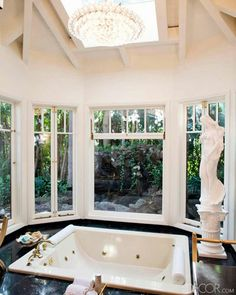 In our first web-exclusive shoot, Mad Men costume designer Janie Bryant invites us to tour the Los Angeles home she shares with husband Peter Yozell and their standard poodle Lucie Nate Berkus, Dream Bathrooms, Beautiful Bathrooms, Luxury Bathrooms, Master Bathrooms, Mad Men, Benjamin Moore Linen White, Bryant Home, Swiss Coffee Paint