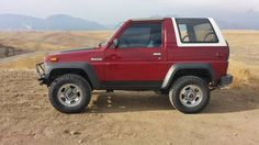 1990 Daihatsu Rocky 4x4 Manual 5speed 2 piece removable Roof/Hard tops 1.6L 4 cylinder Great on Gas 25mpg