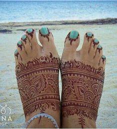 Leg Mehndi, Leg Henna, Henna Mehndi, Unique Mehndi Designs, Beautiful Henna Designs, Henna Feet, Mhendi Design, Mehendi Arts, Bridal Henna